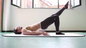 esercizi-ponte su una gamba